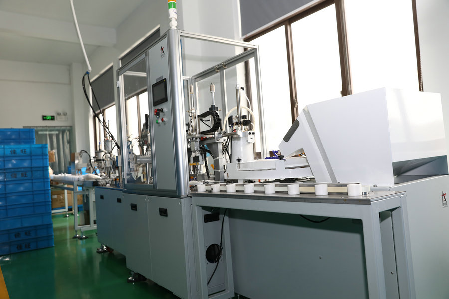LED bulb automatic assembly machine